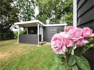 Three-Bedroom Holiday Home in Juelsminde, Nyaralók  Sønderby - big - 16