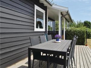 Three-Bedroom Holiday Home in Juelsminde, Nyaralók  Sønderby - big - 19