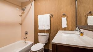 Best Western Plus Portland Airport Hotel & Suites, Hotels  Parkrose - big - 117