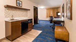 Best Western Plus Portland Airport Hotel & Suites, Hotels  Parkrose - big - 50