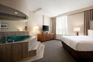 Travelodge by Wyndham Conference Centre & Suites Whitecourt, Szállodák  Whitecourt - big - 68