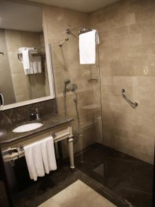 Standard Double or Twin Room Morrian Hotel