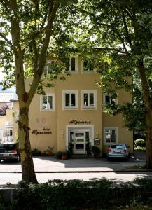 Hotel Alpenrose, Hotel  Bad Reichenhall - big - 1