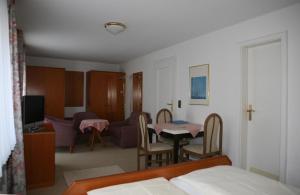 Hotel Alpenrose, Hotel  Bad Reichenhall - big - 8