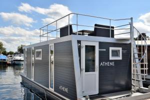 obrázek - Cosy floating boatlodge Athene