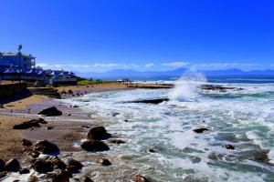 1 Point Village Guesthouse & Holiday Cottages, Apartmanok  Mossel Bay - big - 149