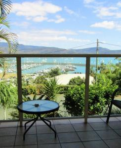 Sunlit Waters Studio Apartments, Aparthotels  Airlie Beach - big - 33