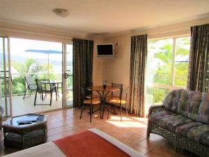 Sunlit Waters Studio Apartments, Aparthotels  Airlie Beach - big - 8