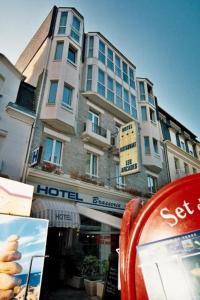 Hotel Les Arcades, Hotely  Saint-Cast-le-Guildo - big - 18