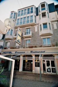 Hotel Les Arcades, Hotely  Saint-Cast-le-Guildo - big - 19