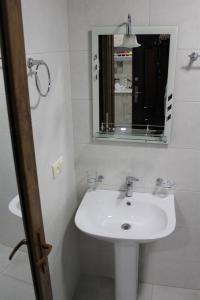 Apartments on Kobaladze Street 8A, Apartmanok  Batumi - big - 60