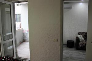 Apartments on Kobaladze Street 8A, Apartmány  Batumi - big - 96