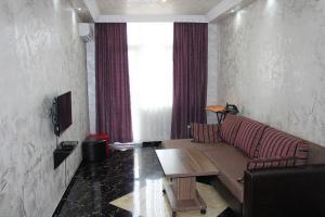 Apartments on Kobaladze Street 8A, Apartmanok  Batumi - big - 94