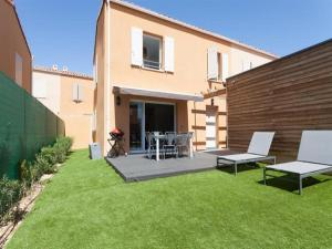 House Superbe maison neuve climatisee 3 chambres pour 6 pers jardin prive piscine collective
