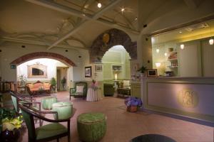 Hotel Ristorante Leon D'Oro (17 of 36)