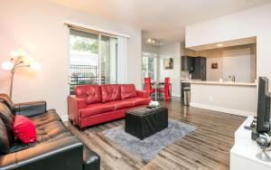 Fully Furnished Suites in Broadway