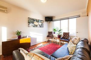 Eleanor - Beyond a Room Private Apartments, Апартаменты  Мельбурн - big - 1