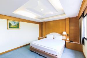 River Hotel - Ban Hua Pong Lek