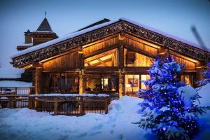 Location gîte, chambres d'hotes Hotel Restaurant La Bouitte - Relais & Châteaux - 3 étoiles Michelin dans le département Savoie 73