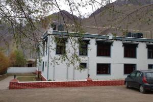 1 BR Guest house in Alchi Choskor, Alchi Gömpa (7ACF), by GuestHouser, Affittacamere  Alchi Gömpa - big - 13