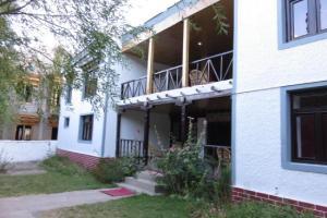 1 BR Guest house in Alchi Choskor, Alchi Gömpa (7ACF), by GuestHouser, Affittacamere  Alchi Gömpa - big - 7