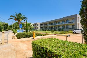 Marinos Beach Hotel-Apartments, Aparthotels  Platanes - big - 108