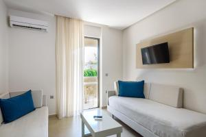 Marinos Beach Hotel-Apartments, Апарт-отели  Платанес - big - 79