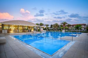 Marinos Beach Hotel-Apartments, Aparthotels  Platanes - big - 95