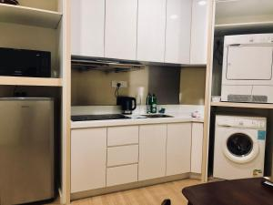 Lusso Suite Island Plaza, Apartmány  George Town - big - 178