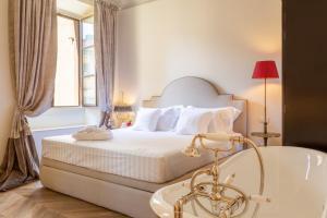 Corte Calzaiuoli Elegant Suites - AbcAlberghi.com