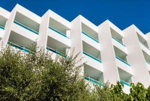 Globales Mediterrani, Hotels  Cala Blanca - big - 60