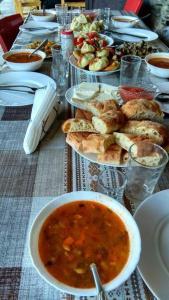 Tishe, Hostels  Omalo - big - 41