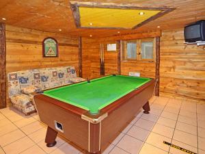 Location gîte, chambres d'hotes Chalet Chalet Côte Arbet 3 dans le département Savoie 73