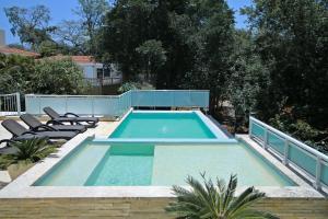 4 Suites in Modern, Private Villa