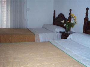 Hostal Castilla, Guest houses  Madrid - big - 4