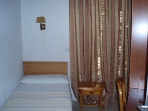 Hostal Castilla, Guest houses  Madrid - big - 18