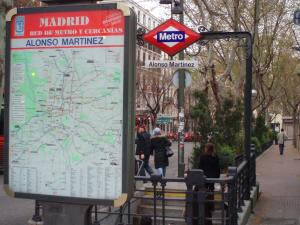 Hostal Castilla, Guest houses  Madrid - big - 6