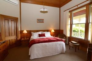 Villa Heights Bed and Breakfast - Accommodation - New Plymouth