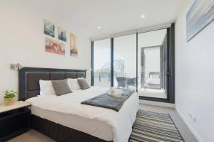 Morden Sleek Apartment in Heart of Macquarie Park