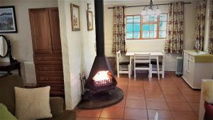 Lake Naverone Holiday Cottages, Resorts  Drakensberg Garden - big - 130