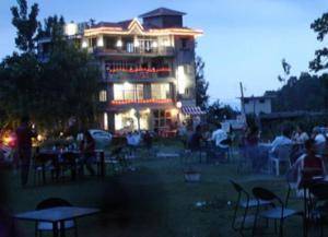 Auberges de jeunesse - Hotel Centre Point Resorts & Club Palampur