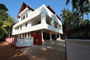 Auberges de jeunesse - 3 BHK Homestay in Muttar, Alappuzha(1913), by GuestHouser