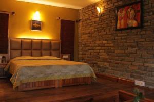 1 BR Boutique stay in Kasaar Devi Temple, Almora (D05D), by GuestHouser