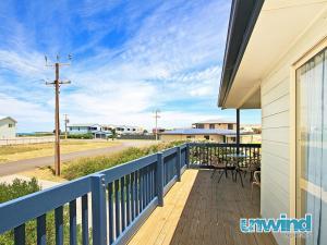 . Middleton Beachhouse - Coast on Newell Views - Pet-Friendly
