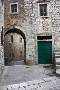 Old Town Apartment, Apartmanok  Šibenik - big - 100