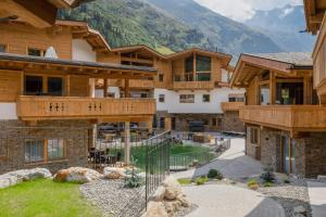 PURE Resort Pitztal - Accommodation - Sankt Leonhard im Pitztal