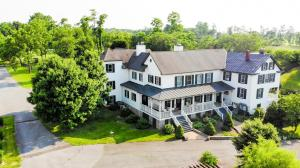 The Manor at Airmont - Accommodation - Purcellville