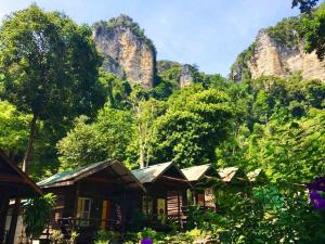 Chill Out Bar & Bungalow - Railay Beach