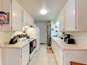 Walking Distance to Lake Baron, Nyaralók  South Lake Tahoe - big - 31