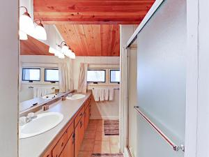 3689 Spruce Ave Home, Prázdninové domy  South Lake Tahoe - big - 40